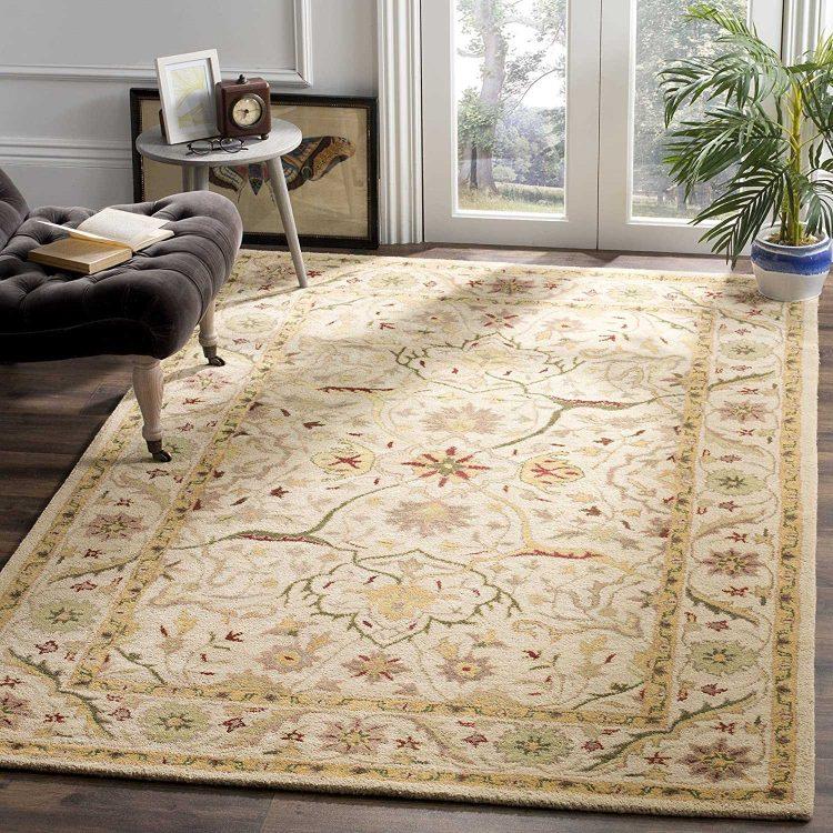 Safavieh Handmade Traditional Oriental Ivory Wool Area Rug