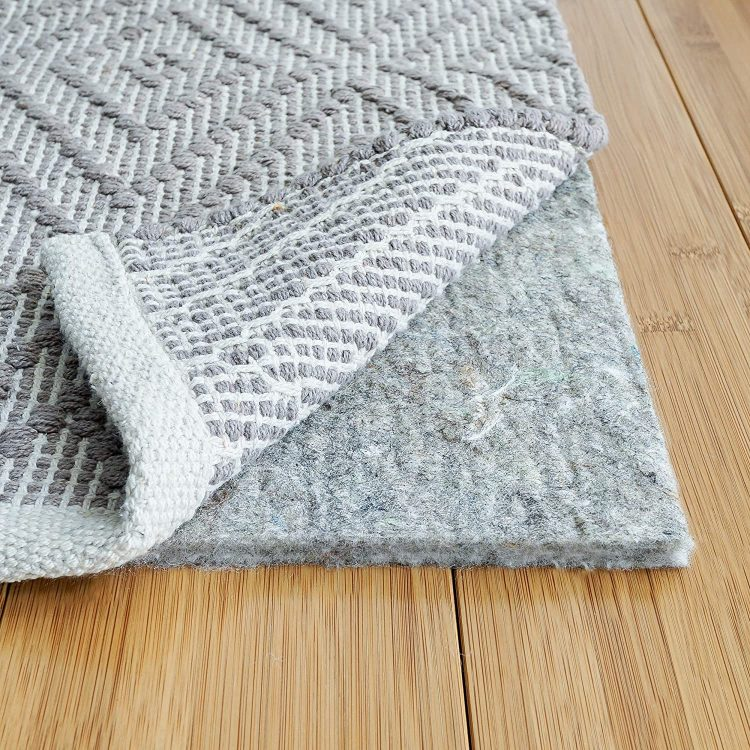 Best Rugs For Vinyl Flooring A Guide, What Area Rugs Are Safe For Vinyl Plank Flooring
